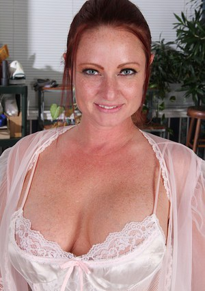 Sexy MILF Housewife
