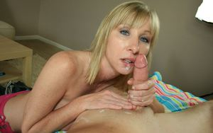 Sexy MILF Cum In Mouth