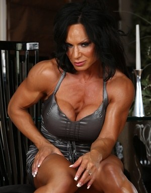 Sexy Muscle MILF