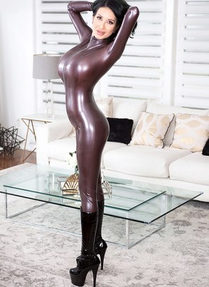 Sexy Latex MILF